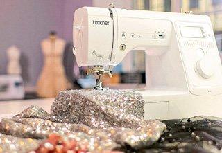 Как шить из материалов с пайетками
